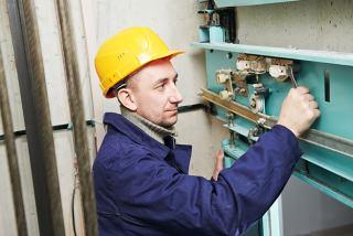 استخدام تعمیر و سرویس کار آسانسور با گواهینامه موتور
