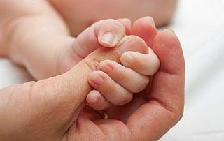 بازتاب چنگ زدن نوزادان