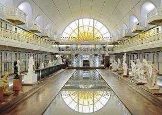 تبدیل شدن استخر به موزه در فرانسه