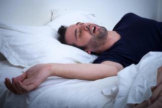 علت حرف زدن در خواب چیست؟