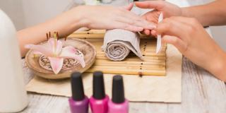 آموزش 3 روش ساده ریمو کاشت ناخن در منزل