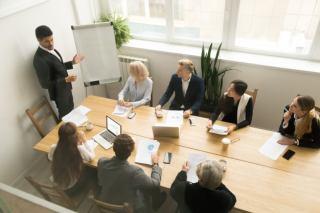 مدیریت پروژه چگونه از راهکارهای CRM بهره می برد؟