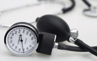زمان برگزاری آزمون لیسانس به پزشکی 1400