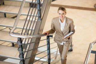 فواید و مضرات بالا رفتن از پله ها برای سلامتی