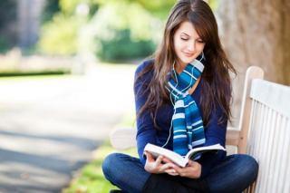 فواید کتاب خواندن / چرا باید روزی 30 دقیقه کتاب بخوانیم؟