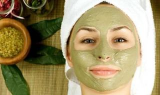 15 فایده بی نظیر ماسک سدر برای پوست و مو