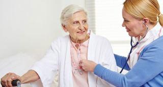 خدمات پرستاری از سالمندان در منزل